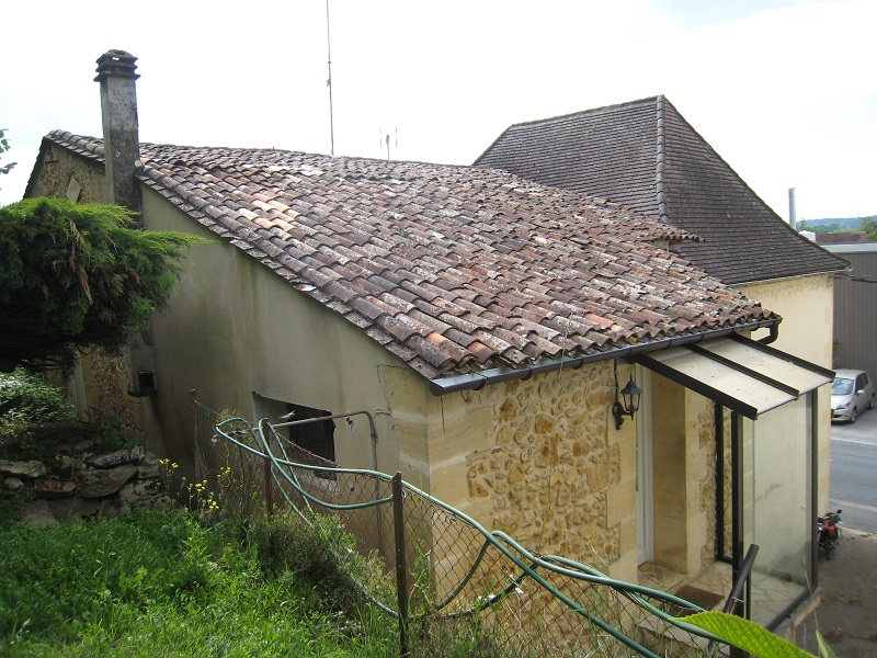PROCHE BERGERAC, LOCAL COMMERCIAL + HABITATION 2/14